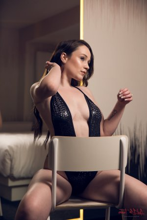 Lenda escorts in Central Louisiana