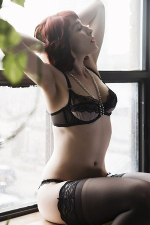 Naylah escort and erotic massage