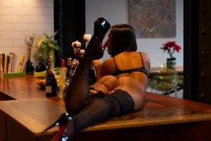Fernandine nuru massage in Ellensburg and escort