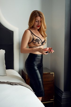 Sylvie-marie happy ending massage