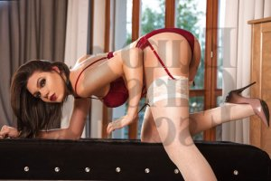 Alysone nuru massage
