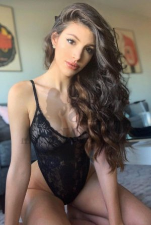 Melhia escort girls in Central Louisiana