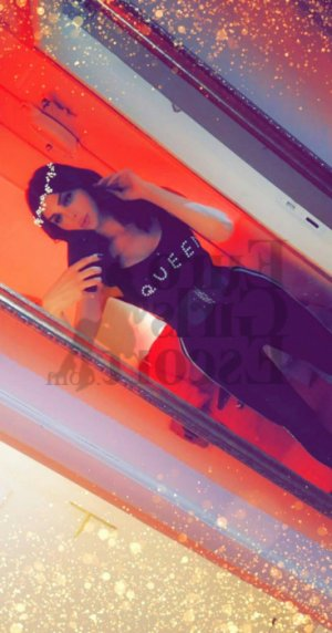 Tugce call girls in Omaha and massage parlor