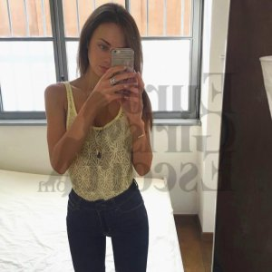 Titziana happy ending massage, escort girl