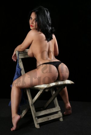 Kisha thai massage in Lewistown PA and escort