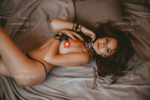 Melia erotic massage and escort