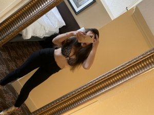 Yesmine erotic massage in Upper Montclair and live escort